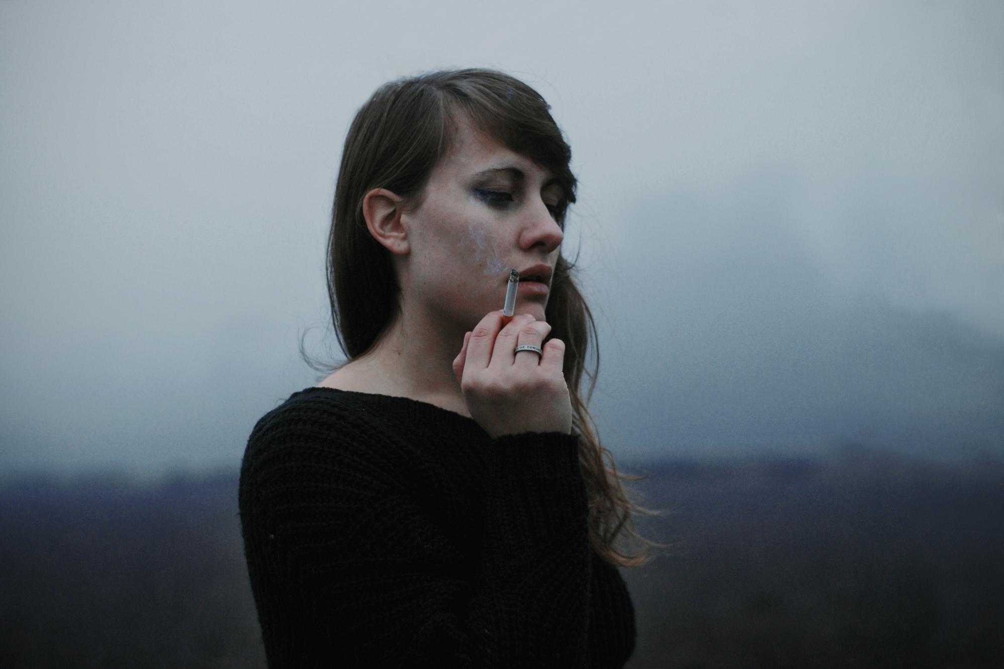 kouř a kouřenídospívající dívka sexuální otrok