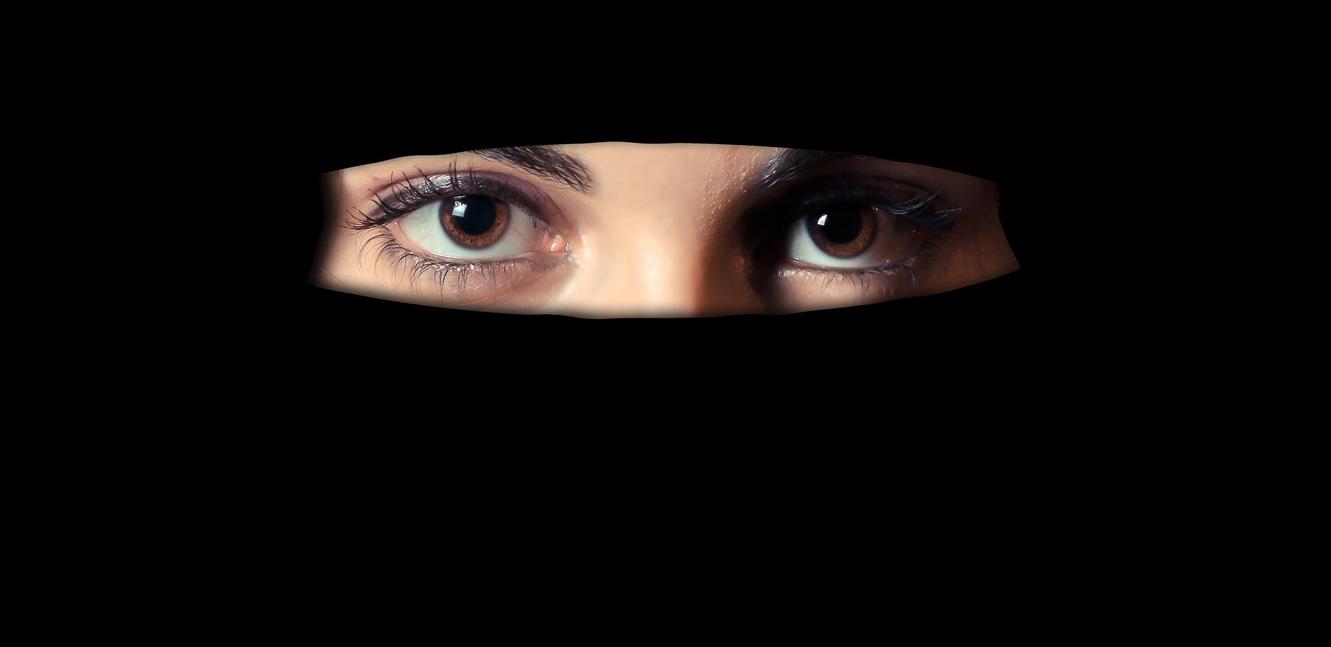 muslimská dívka z hinduisty Randím s řeckým mužem