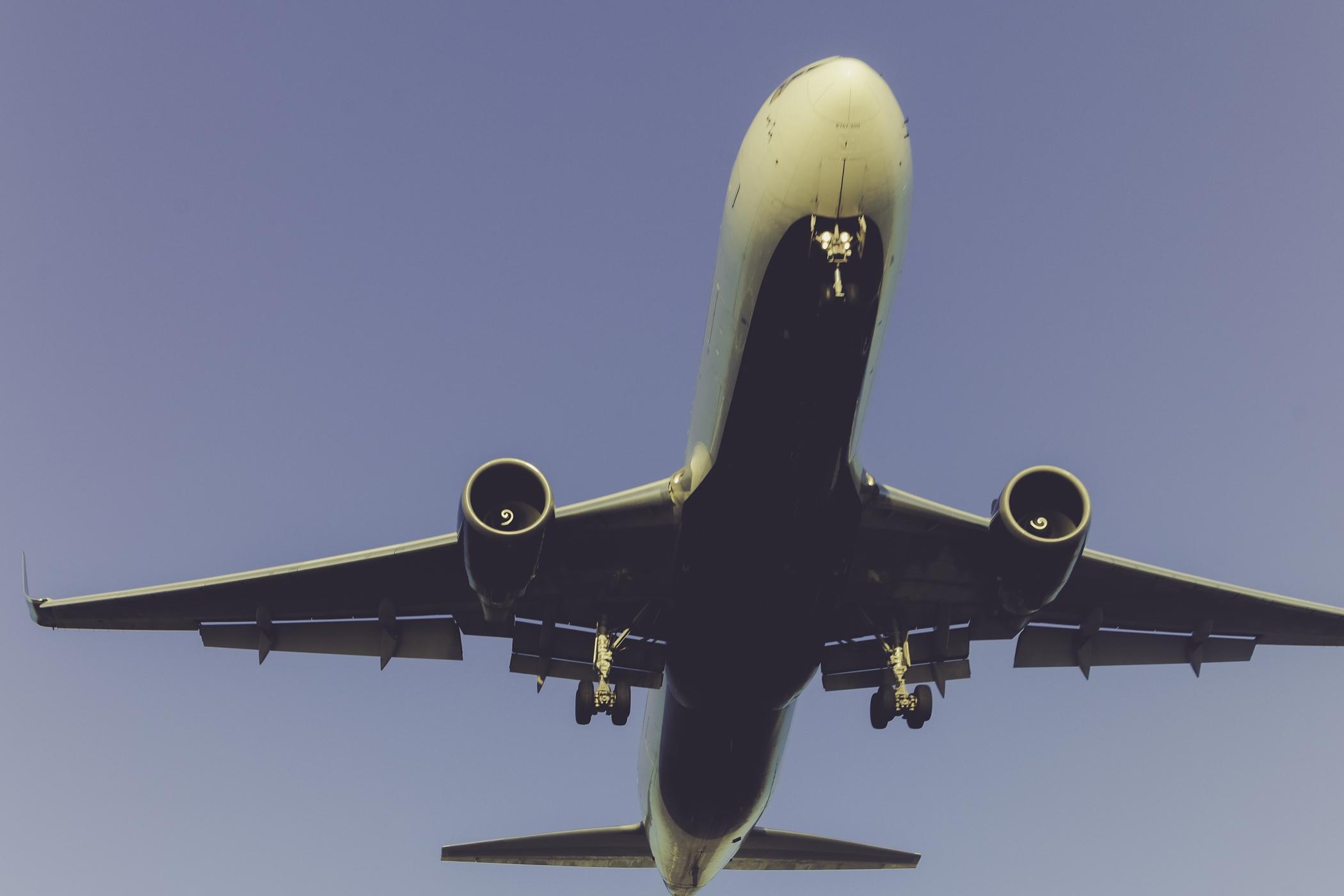 5b7bb8b28d6cc Uhelné elektrárny a Ryanair – dopravce se dostal mezi největší  znečišťovatele ovzduší v Evropě | Radio Wave
