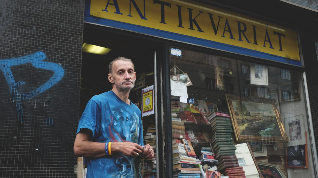 Jiří Novák, majitel jednoho z nejpozoruhodnějších antikvariátu v pražských Holešovicích