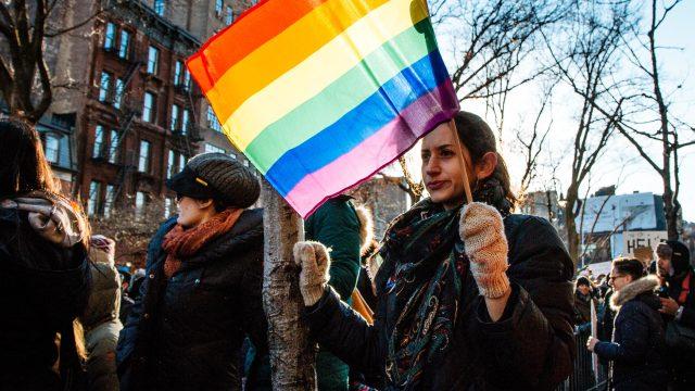Trnem v oku byla Prostredníkova deklarovaná podpora LGBT komunitě a jeho vystoupení na bratislavském Duhovém pochodu