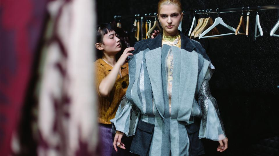 Model Yuhan Xu v backstage WRN