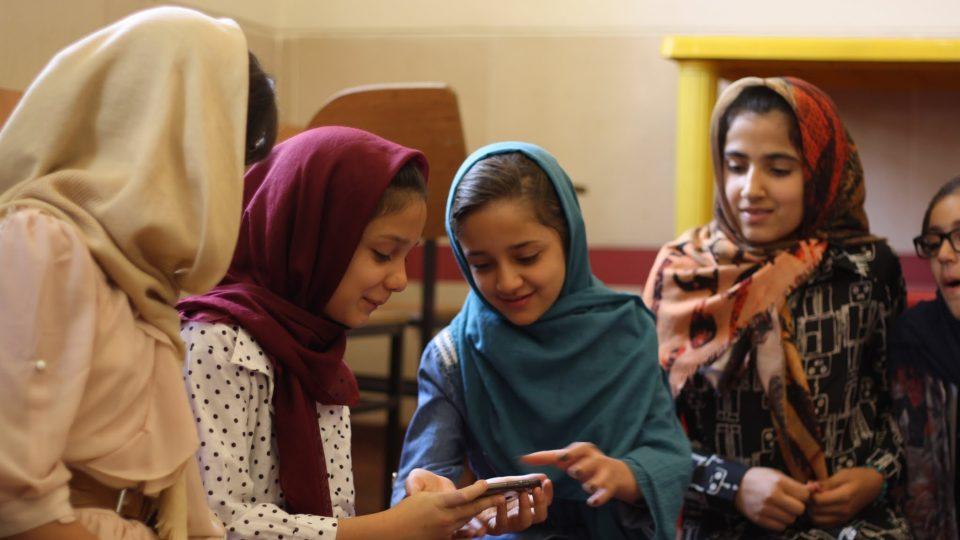 Beseda s íránskými studentkami