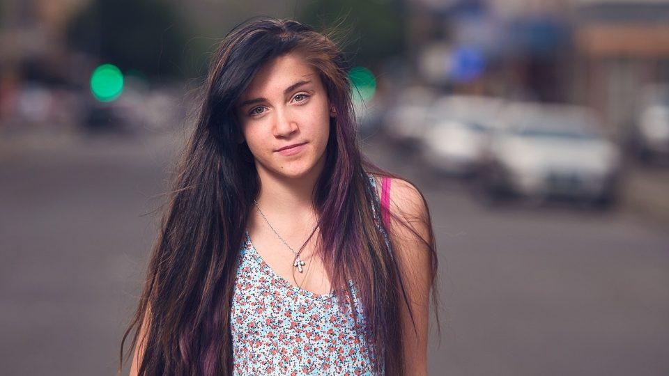 Dívka - teenager - holka