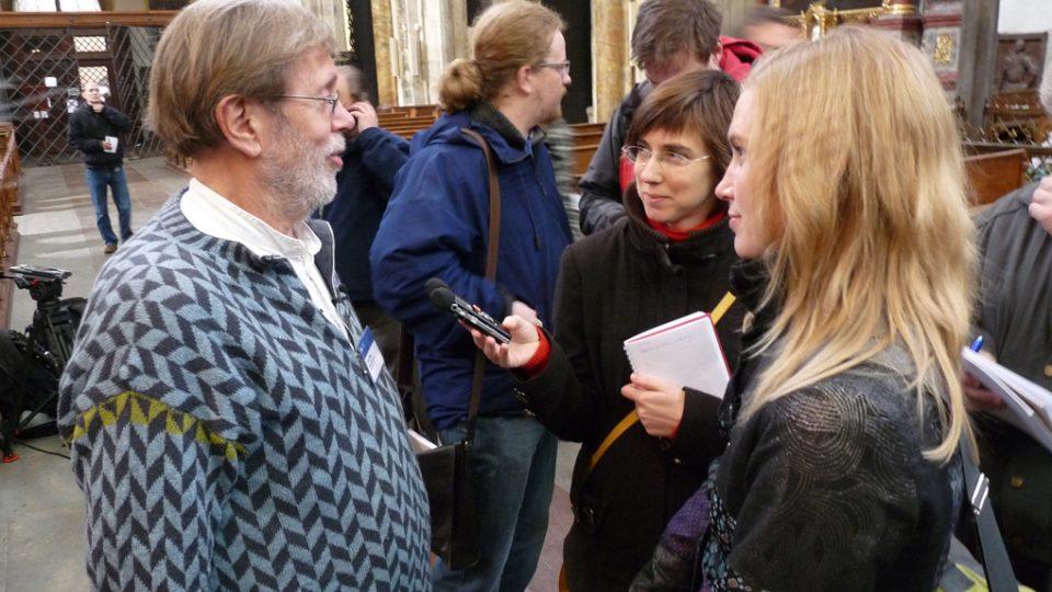 Šéfarcheolog Jens Vellev z Univerzity v Aarhusu v rozhovoru s novináři ČTK a ČRo 6