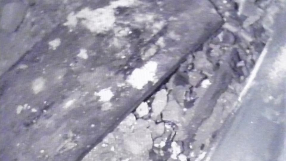 V hrobce se krom dvou rakví našly i volné ostatky neznámé mladé ženy a dítěte