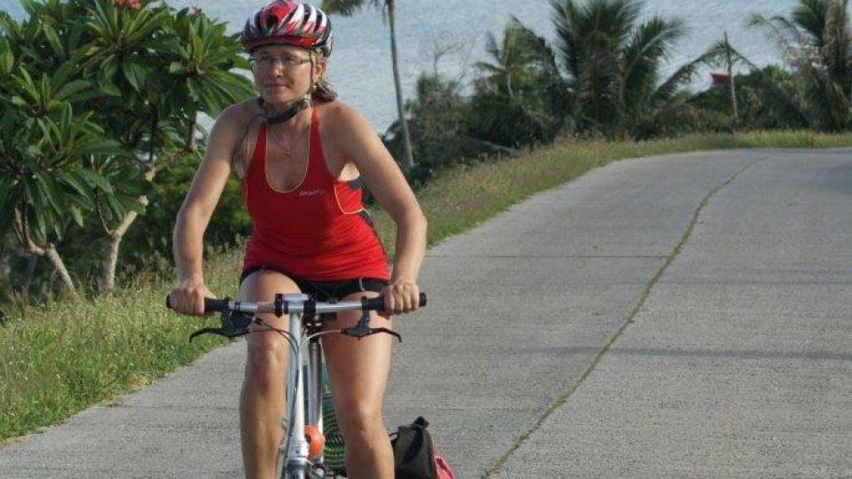 Na ostrově Maupiti, kolem dokola má tento ostrov jen 8 km. Výjezd na místní belvedér.