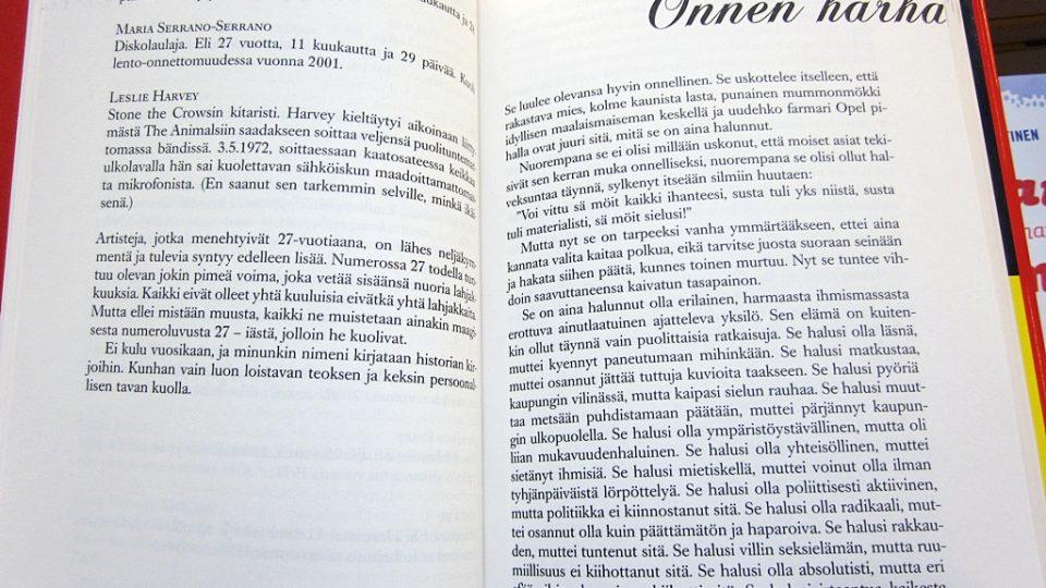 Kniha Alexandry Salmely ve finském knihkupectví