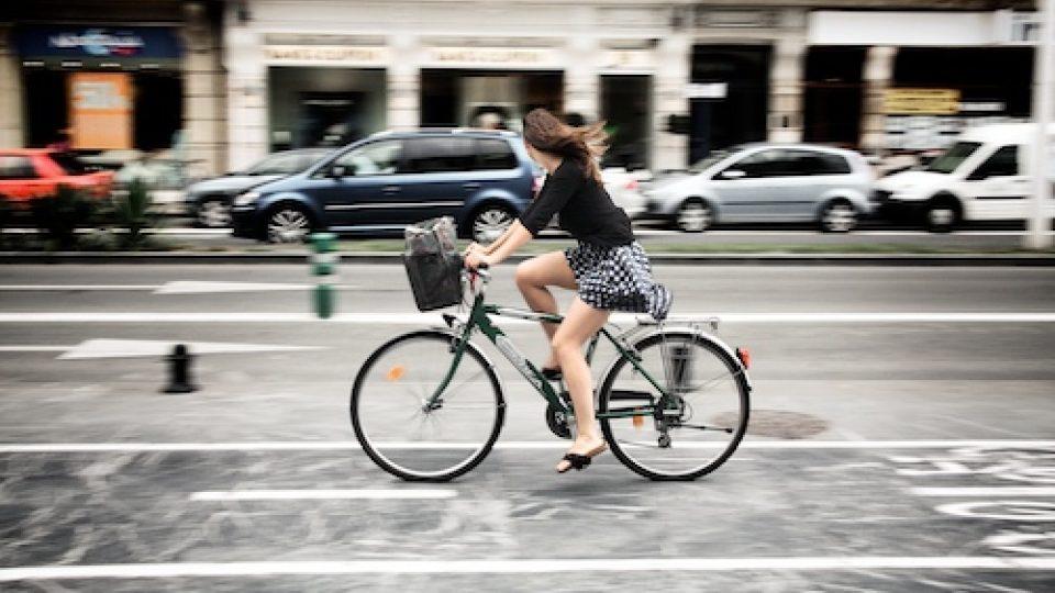 Cyklistika - cyklisté - kola - bicykl - kolo
