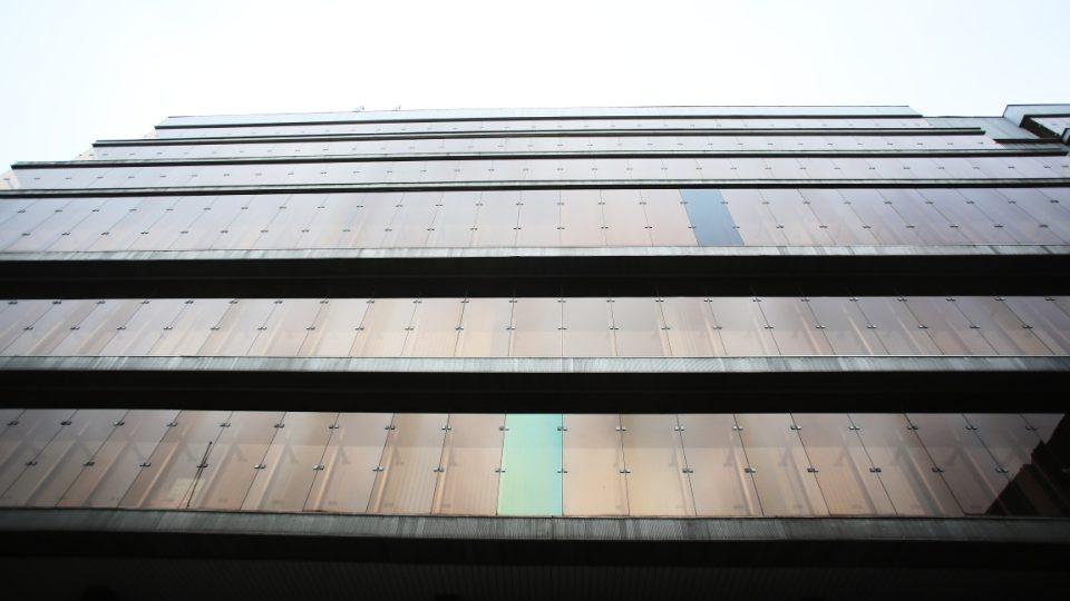 Budova Transgasu a její okolí u Vinohradské třídy
