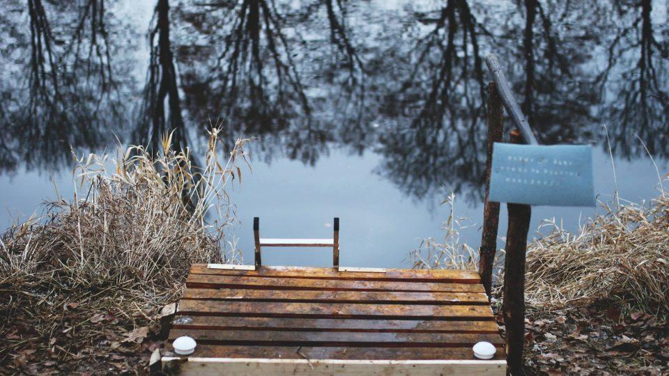 Vlez do vody v netradiční sauně v Hradci Králové