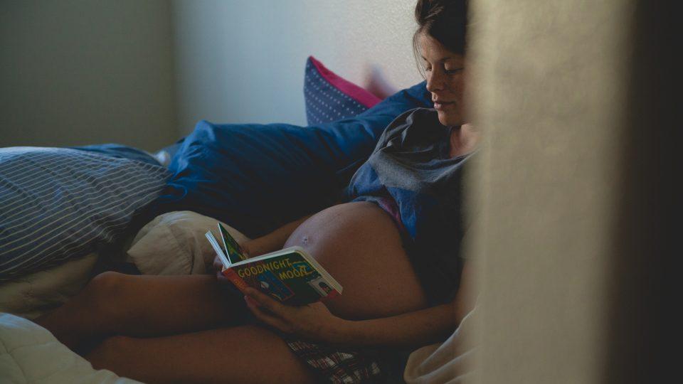 těhotenství - těhotná žena