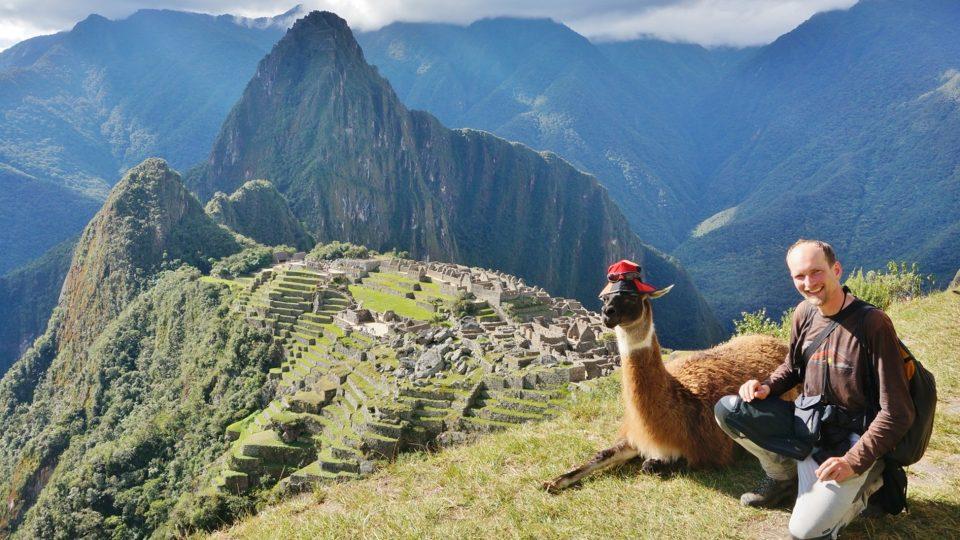 Na Machu Picchu mají přátelské lamy, Peru