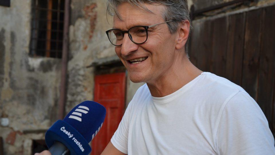 Film Po strništi bos zahájil festival ve Slavonicích. Režisér Jan Svěrák byl před projekcí nervózní