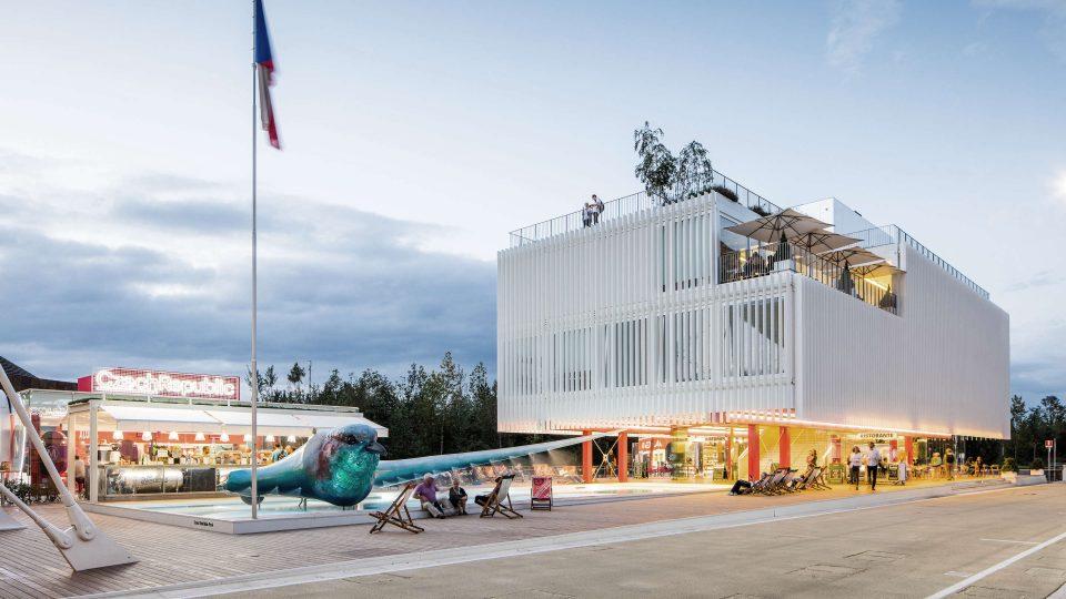 Český pavilon na světové výstavě EXPO 2015 v Miláně. Po konci výstavy byl přesunut do Česka a přestavěn na administrativní budovu firmy KOMA