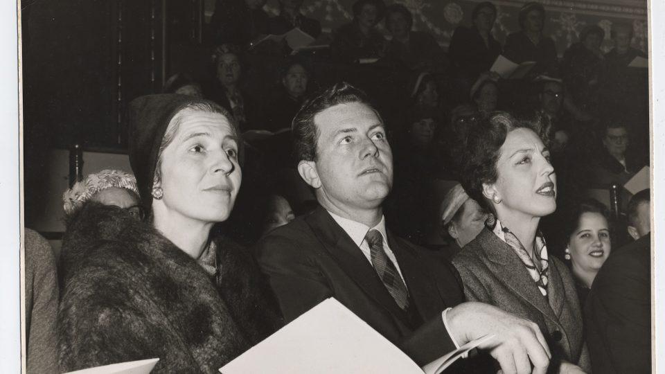 Lída Ascher na módní přehlídce v roce 1957
