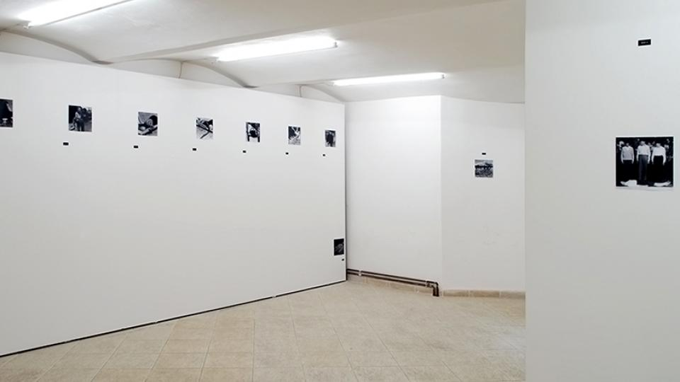 Alma Lily Rayner: We walk/We fall: An exercise in absence, Galerie NF, Ústí nad Labem, 2014