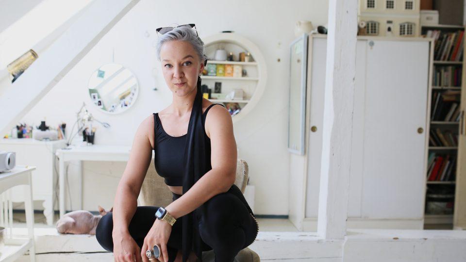 Léna Brauner je přesvědčená, že rozjezd její kariéry byl postavený na extravagantním stylu oblékání