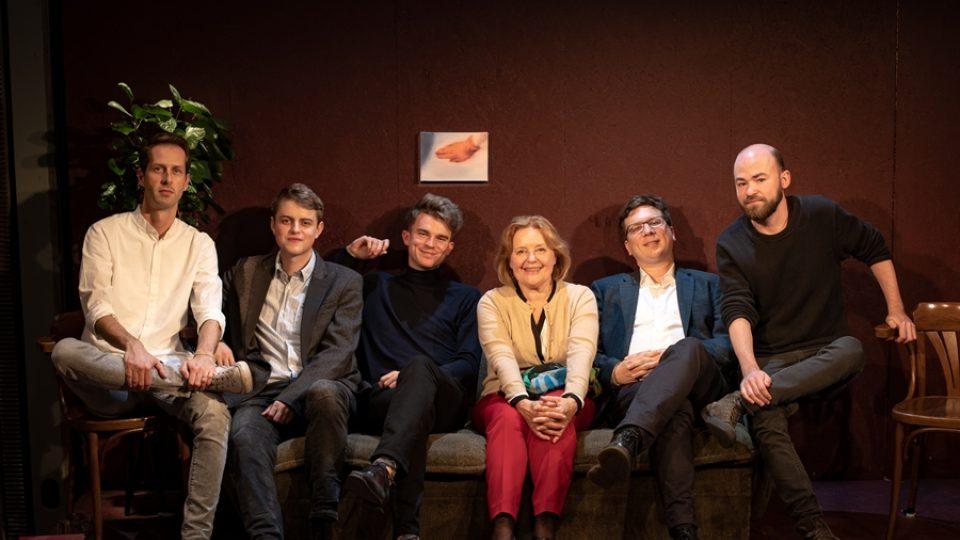 Talkshow Radia Wave: Velký špatný říjen s Magdou Vášáryovou a Kovym