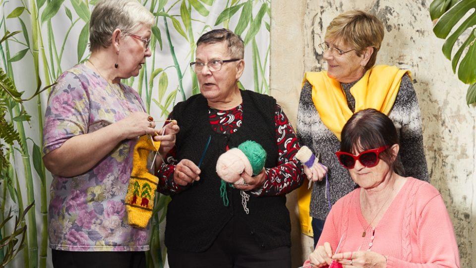 Z workshopu Modeschau a Elpida, dámy z projektu Ponožky od babičky