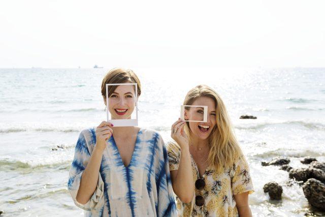 smích - sociální sítě - dovolená