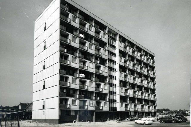 V. Hilský, O. Jurenka – výškový mezonetový dům v Kladně – Sítné, 1967–70