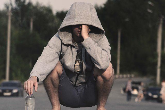 muž - mileniál - alkoholismus - deprese