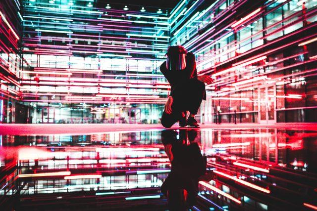 světlo – neony