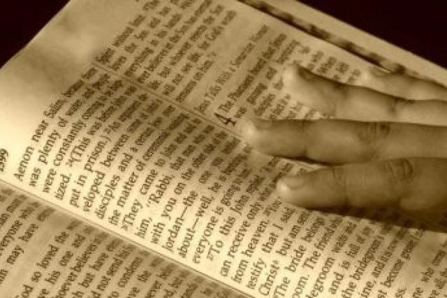 Bible (ilustr. foto)