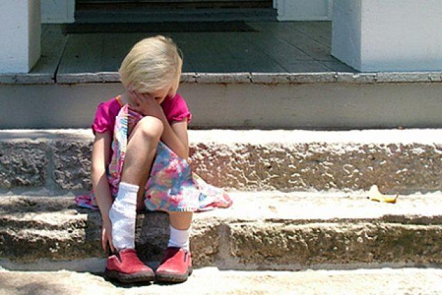 smutné dítě - smutek - problémy dětí