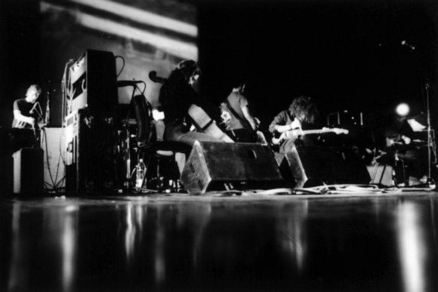 Po svém comebacku v roce 2010 soupeří Godspeed You! Black Emperor se svojí vlastní legendou a v ní se snad ani nedá vyhrát