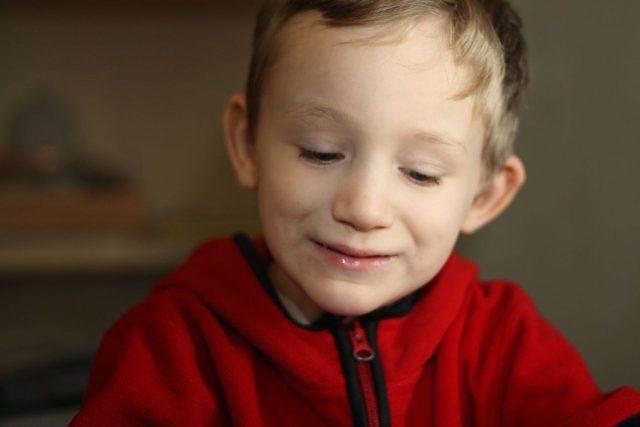 Autistický chlapec