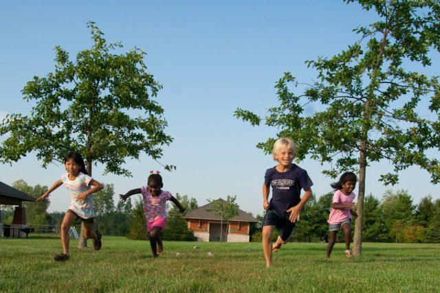 """Přijmout do rodiny """"cizí dítě"""" není snadné (foto: Steven Depolo)"""