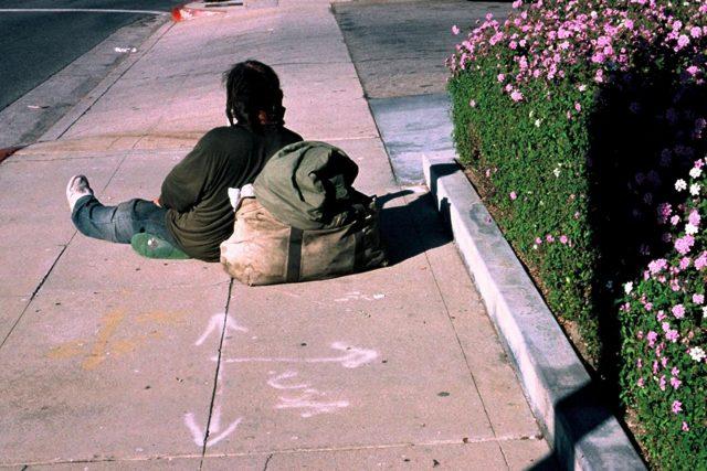 Bezdomovci – lidé bez domova – bez domova    | foto: Creative Commons Attribution-NonCommercial-NoDerivs 2.0 Generic,  Gilbert Mercier