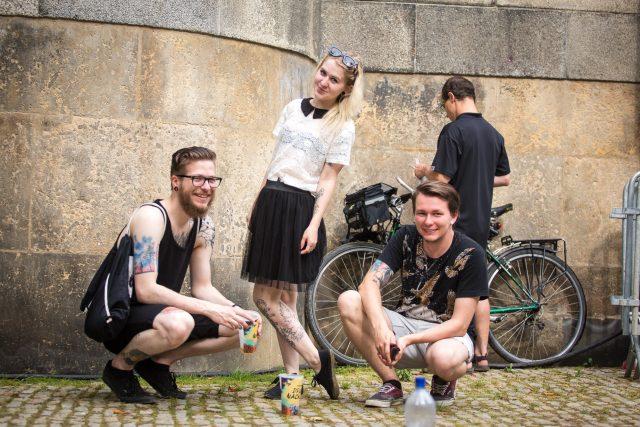 Náplavka - mladí lidé - mileniálové - život ve městě