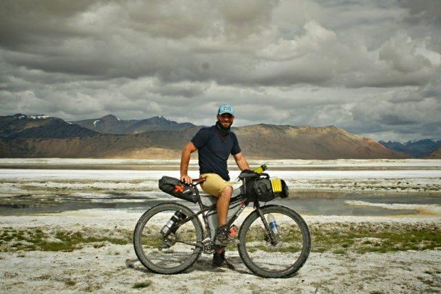 Jan Žďánský na cestě indickou oblastí Ladak