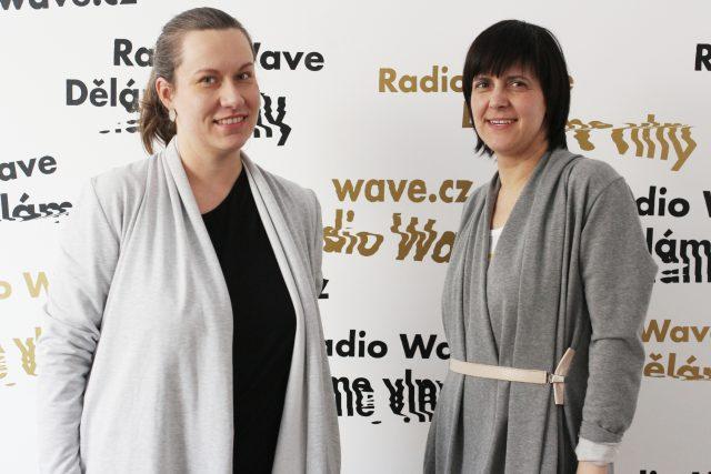 Grafická designérka Olga Vlčková a publicistka Karolína Vránková | foto: Barbora Linková