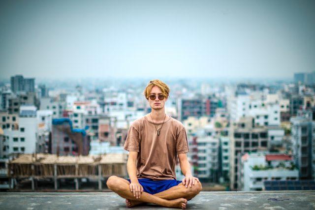 meditace - guru - intoxikace - halucinace - halucinogeny - drogy