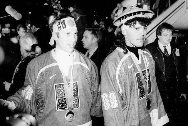 Dominik Hašek a Jaromír Jágr po návratu z OH Nagano 1998