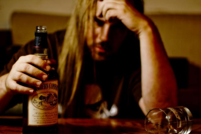Závislost, alkohol, alkoholik