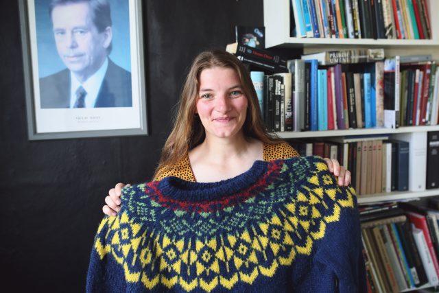 Cestovatelka Viktorka Hlaváčková a její speciální islandský svetr