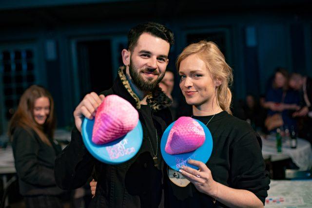Filip Titlbach a Ester Geislerová. Kompot Song roku 2018 ve Venuši ve Švehlovce