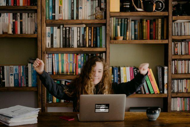 učení - e-learning - doma místo školy | foto: Unsplash,  CC0 1.0