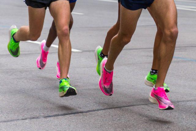 Maratonci v botách Nike Vaporfly