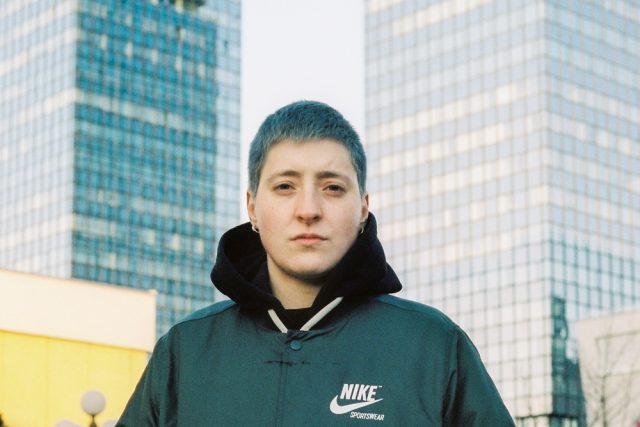 Ehlimana Elma je queer aktivistka ze Sarajeva
