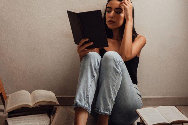 číst - čtení