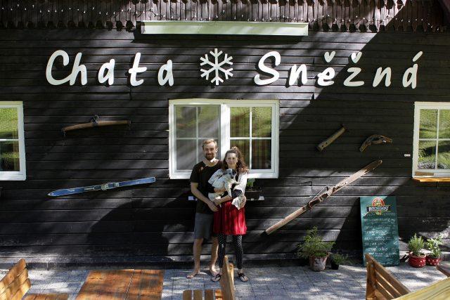 Mladí provozovatelé horské chaty Sněžná hledají klid v přírodě