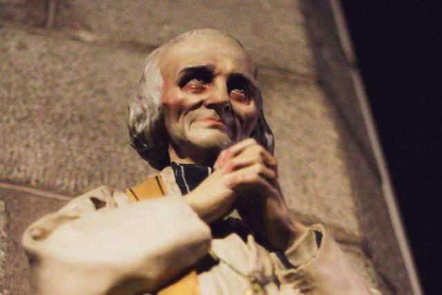 V kauze zproštěného bývalého kněze se jeho řád obrátí na Vatikán. (Ilustrační snímek)